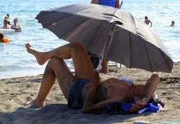 Njeriu i zakonshem shkon ne plazh