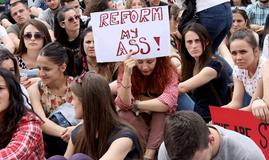 studente shqiptare qe dine anglisht